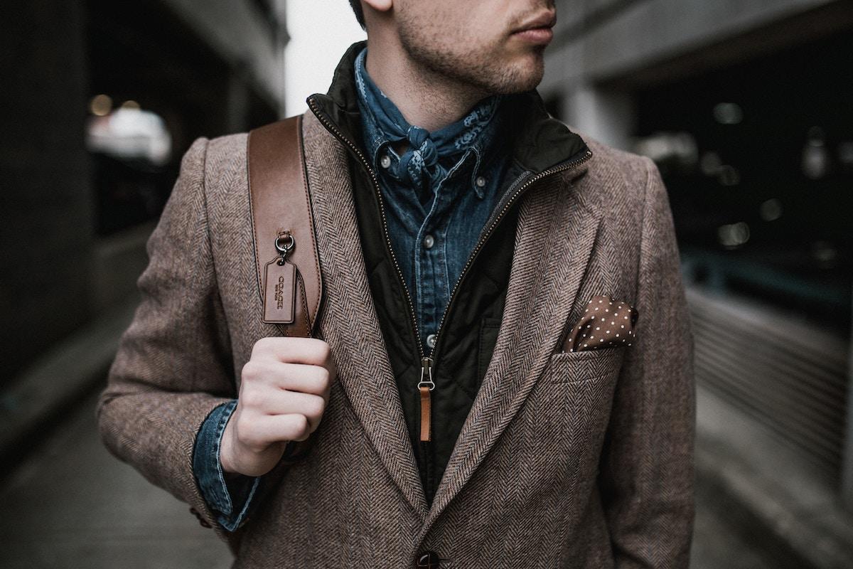 Les vestiaires pour homme sont devenus des lieux de conseils très prisés par la gente masculine